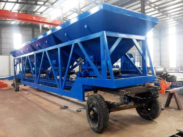 Mobile cold aggregate supplying